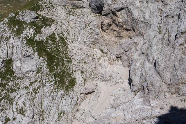 Steep traverse around Mili Planjava